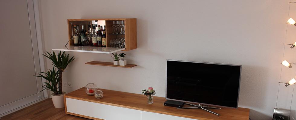 Sideboard Mit Zwei Grossen Schubladen Und Hängemöbel